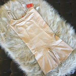 Spanx On-Core Mid-Thigh Bodysuit Large Soft Nude